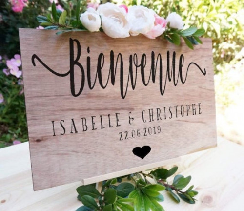 bienvenue-a-notre-mariage-personalised-diy-sign-couples-names-etsy8030c20ffeee336e.jpg