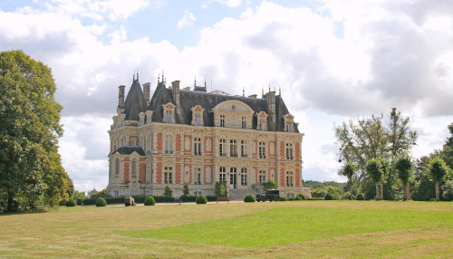 rent château la douve french chateau for wedding or holidays near anger and 2 hours from paris franc