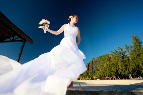 the wind in the the bride s dress photographe mariage